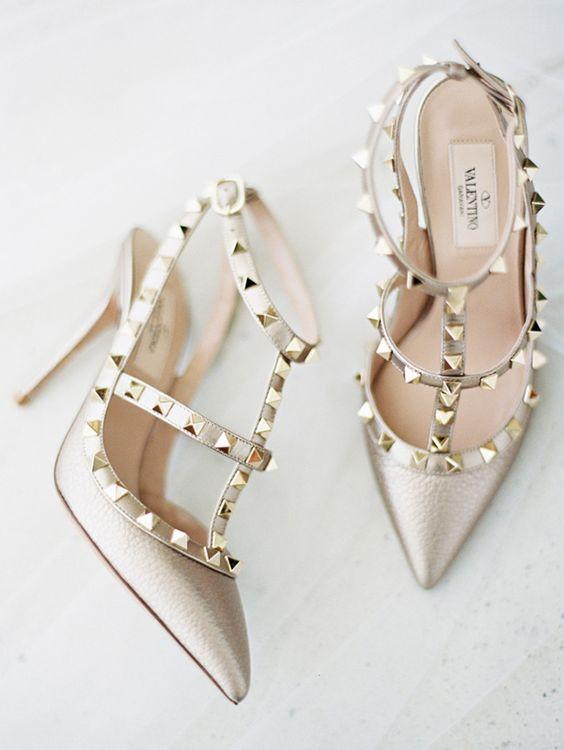 Zapatos icónicos para triunfar en tu boda de Valentino